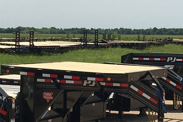 Flatbed for gooseneck trailers